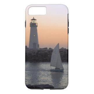 Capa iPhone 8 Plus/7 Plus Navigação no crepúsculo no porto de Santa Cruz