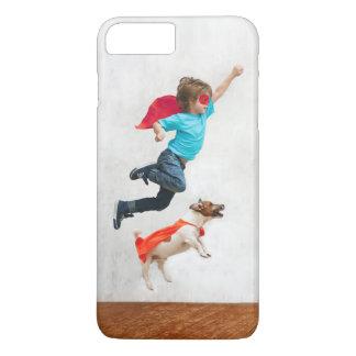 Capa iPhone 8 Plus/7 Plus Super-herói do menino e do cão