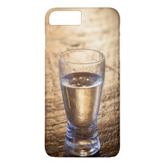 Capa iPhone 8 Plus/7 Plus Único tiro do Tequila na mesa de madeira