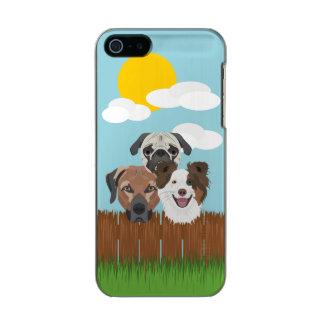 Capa Metálica Para iPhone SE/5/5s Cães afortunados da ilustração em uma cerca de