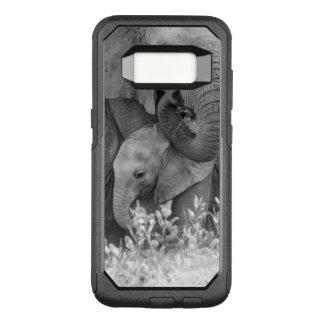 Capa OtterBox Commuter Para Samsung Galaxy S8 Elefante fêmea queAssegura duas vitelas (Samburu)