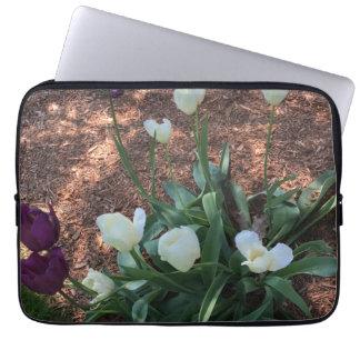 Capa Para Computador Jardim das flores brancas da tulipa da neve