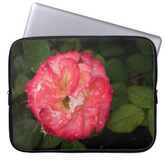 Capa Para Computador Rosa vermelha com a bolsa de laptop dos pingos de