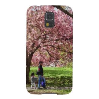 Capa Para Galaxy S5 Apreciando as árvores de cereja