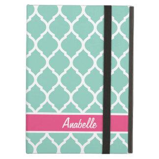 Capa Para iPad Air Aqua e monograma cor-de-rosa de Quatrefoil