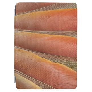 Capa Para iPad Air Escarlate das penas Vermelho-Alaranjadas do Macaw