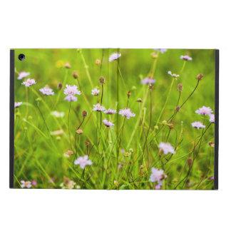 Capa Para iPad Air Flores selvagens no prado verde
