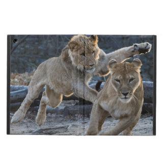 Capa Para iPad Air Jogos novos do leão com mamã