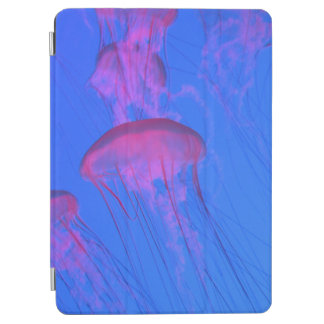 Capa Para iPad Air Medusas cor-de-rosa no mar dos azul-céu