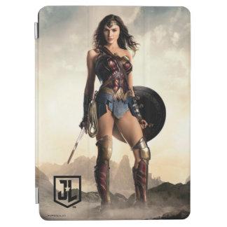 Capa Para iPad Air Mulher maravilha da liga de justiça | no campo de