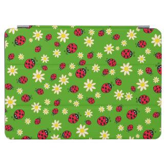Capa Para iPad Air verde bonito do teste padrão de flor do joaninha e