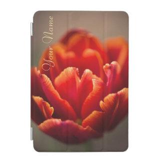 Capa Para iPad Mini Pétalas vermelhas bonito da tulipa. Adicione seu