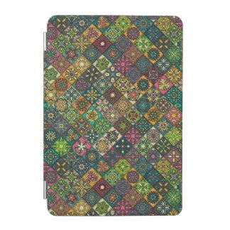 Capa Para iPad Mini Retalhos do vintage com elementos florais da