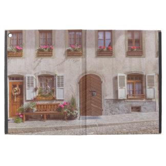 "Capa Para iPad Pro 12.9"" Casa na vila do Gruyère, suiça"