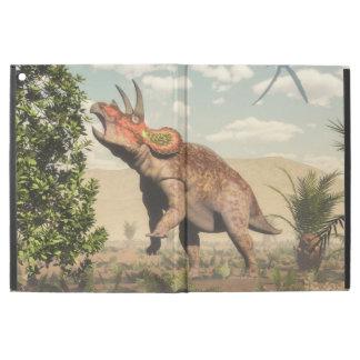 "Capa Para iPad Pro 12.9"" Triceratops que come na árvore da magnólia - 3D"