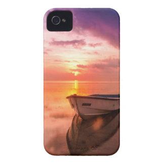 Capa Para iPhone 4 Case-Mate Barco no por do sol da água