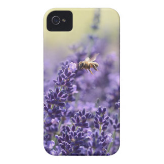 Capa Para iPhone 4 Case-Mate Lavanda e abelhas