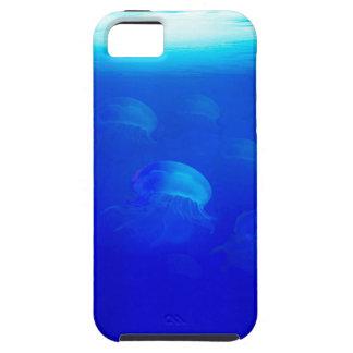 Capa Para iPhone 5 Medusa azuis do grupo na natação de Oceano