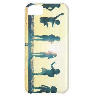 Capa Para iPhone 5C Crianças felizes que jogam na ilustração do parque