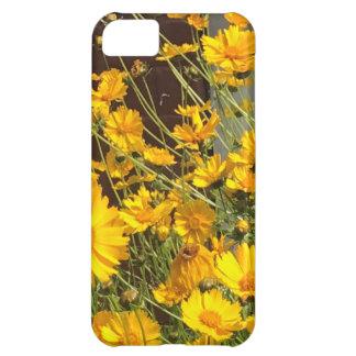 Capa Para iPhone 5C Flores amarelas felizes brilhantes em um grupo