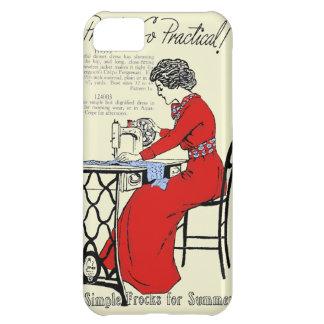 Capa Para iPhone 5C Senhora no vestido vermelho na máquina de costura