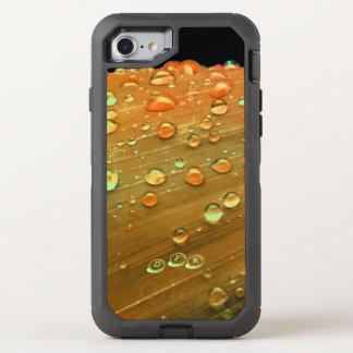 Capa Para iPhone 8/7 OtterBox Defender Close up dos pingos de chuva, laranja da oxidação