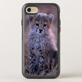 Capa Para iPhone 8/7 OtterBox Symmetry Chita Cub (Acinonyx Jubatus) no savana, Kenya