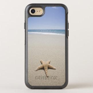 Capa Para iPhone 8/7 OtterBox Symmetry Estrela do mar na praia por Oceano Atlântico