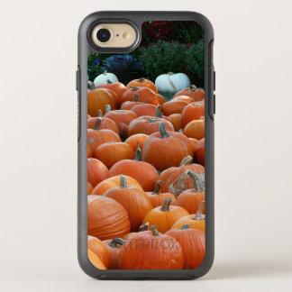 Capa Para iPhone 8/7 OtterBox Symmetry Fotografia da colheita do outono das abóboras e