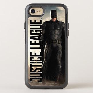 Capa Para iPhone 8/7 OtterBox Symmetry Liga de justiça   Batman no campo de batalha