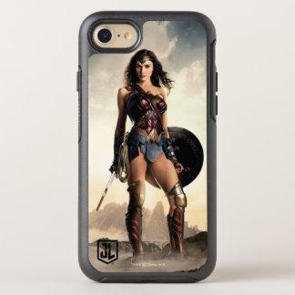 Capa Para iPhone 8/7 OtterBox Symmetry Mulher maravilha da liga de justiça | no campo de