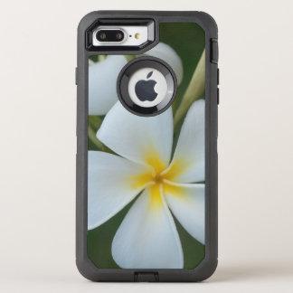 Capa Para iPhone 8 Plus/7 Plus OtterBox Defender Flor tropical branca do plumeria de Fiji