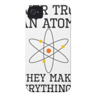 Capa Para iPhone Nunca confie um átomo - ciência engraçada
