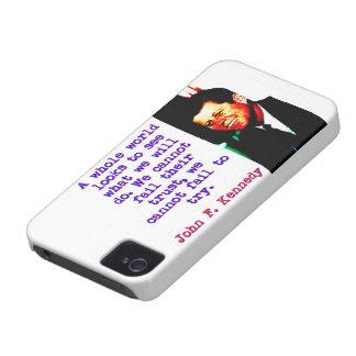 Capa Para iPhone Olhares inteiros de um mundo - John Kennedy