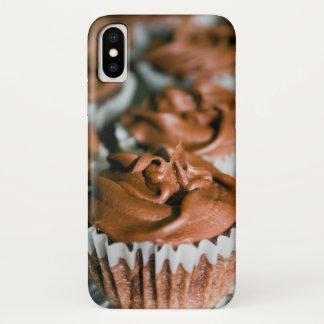 Capa Para iPhone X Cupcakes do fosco do chocolate em uma foto da