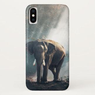 Capa Para iPhone X Elefante asiático em um esclarecimento Sunlit da