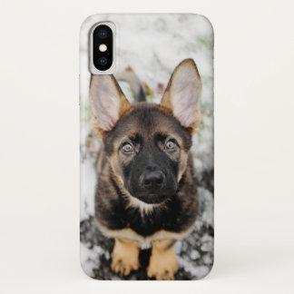 Capa Para iPhone X Filhote de cachorro bonito que olha acima