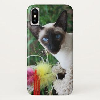 Capa Para iPhone X Gato Siamese bonito que joga com brinquedo