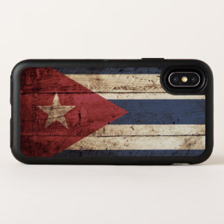 Capa Para iPhone X OtterBox Symmetry Bandeira de Cuba na grão de madeira velha