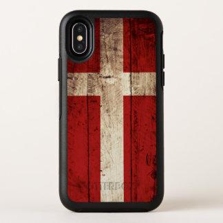 Capa Para iPhone X OtterBox Symmetry Bandeira de Dinamarca na grão de madeira velha