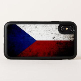 Capa Para iPhone X OtterBox Symmetry Bandeira preta da república checa do Grunge