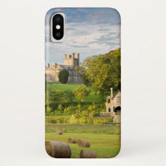 Capa Para iPhone X Paisagem rural do castelo de Crom