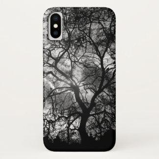 Capa Para iPhone X Silhueta dramática da árvore de Londres