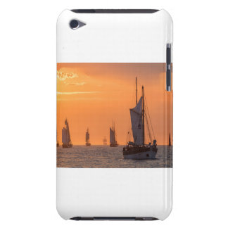 Capa Para iPod Touch Windjammer na luz do por do sol