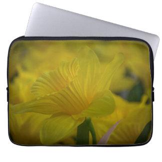 Capa Para Laptop A bolsa de laptop amarela dos daffodils