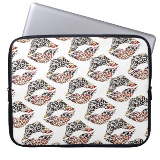 Capa Para Laptop Beijo de Koru