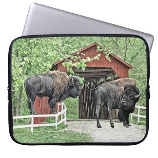 Capa Para Laptop Bisonte americano engraçado na ponte coberta