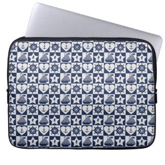 Capa Para Laptop Branco náutico dos azuis marinhos checkered