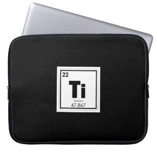 Capa Para Laptop Fórmula Titanium da química do símbolo do elemento