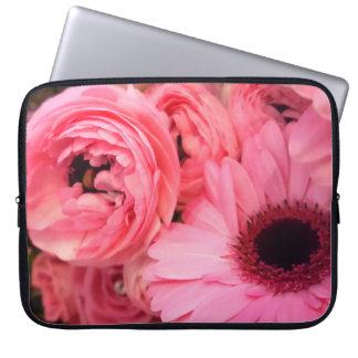 Capa Para Laptop Gerbera e renuculas cor-de-rosa